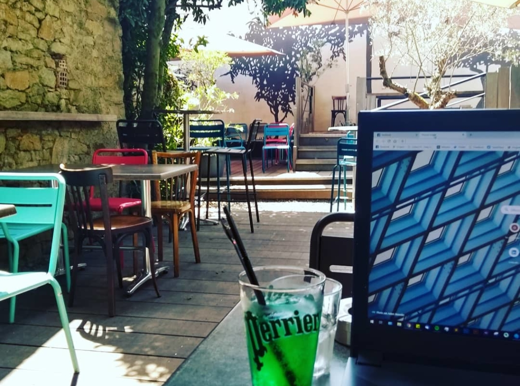 Coworking en terrasse à Café sur Cours
